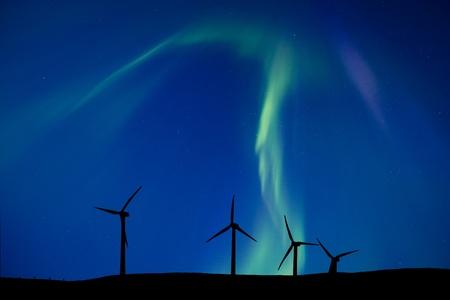 Wind Farm And Northern Lights Aurora Borealis Canada 免版税图像