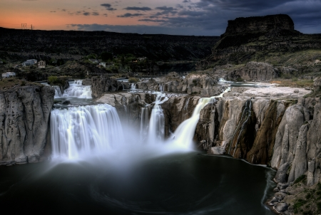 Shoshone Falls Twin Falls, Idaho blurred water at sunset