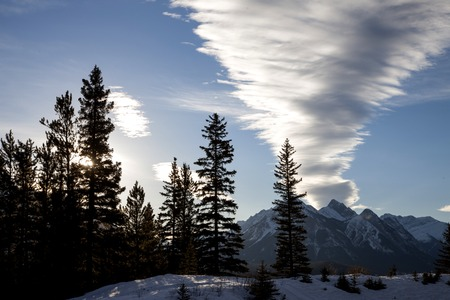 rocky mountains: Rocky Mountains in Winter Canada Icefields Parkway