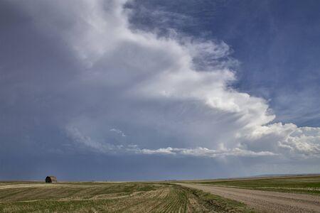 Prairie Storm Clouds in Saskatchewan Canada Rural Banco de Imagens - 124929971