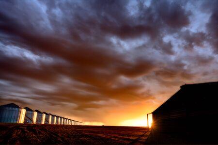 Prairie Storm Clouds Sunset in Saskatchewan Canada Banco de Imagens - 124977960