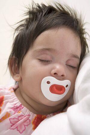 edred�n: Baby Girl est� durmiendo con un Consolador