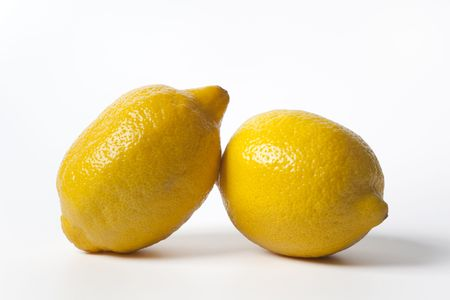 uncut: Due limoni interi uncui
