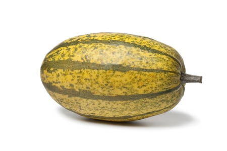 Whole single spaghetti squash on white background Banque d'images