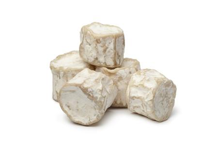 queso de cabra: Crotte de Chèvre sobre fondo blanco
