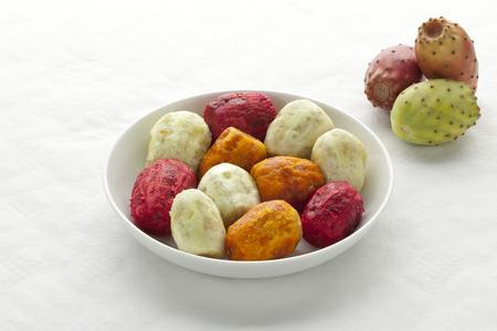 Peeled Prickly Pear Fruit on a dish Reklamní fotografie