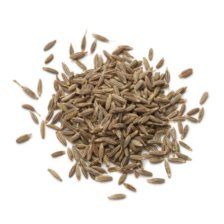 Sterta suszonych nasion kminku na białym tle