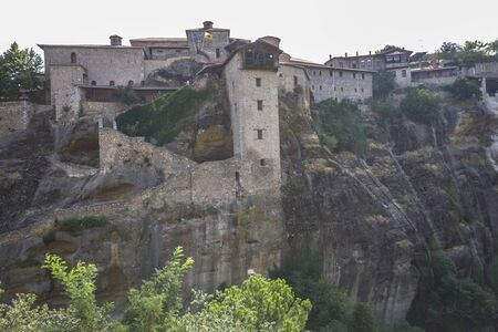 monasteri: View on the Meteora monasteries in Greece