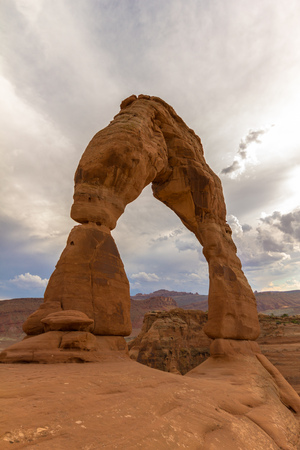 delicate arch: Delicate Arch in Arches National Park, Utah, USA