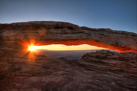 north window arch: The Mesa Arch at sunrise in Canyonlands, Utah, USA