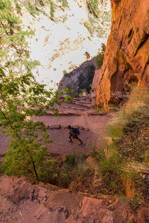 cottonwood canyon: Steep trail with serpentines, Zion National Park, Utah