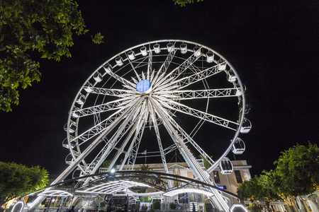 Giant wheel at night of V A Waterfront, Cape Town 免版税图像