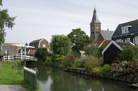 Traditioneel dorp Marken in Nederland. Redactioneel