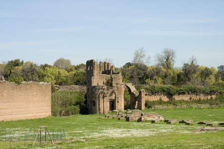 Scenic Gezien middeleeuwen ruïnes van circus van Maxentius of van Romulus, de Via Appia Antica, Rome