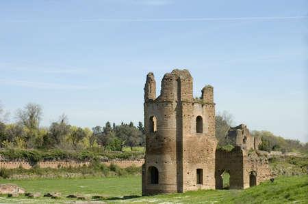 Middeleeuwen ruïnes van circus van Maxentius of van Romulus, de Via Appia Antica, Rome Stockfoto - 2570892