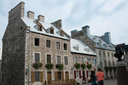 royale: casas de los siglos, en la Place Royale, la ciudad vieja de Quebec, Canad� Foto de archivo