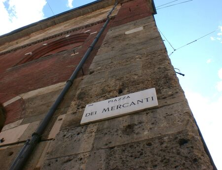 Milan. Street sign of the famous Merchants Square. Editoriali
