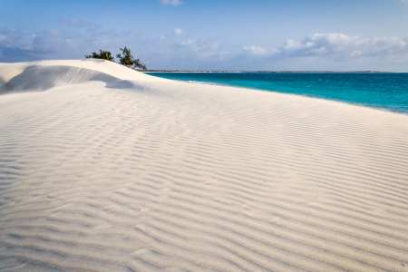 White sand dune by the sea in southern Madagascar Banque d'images