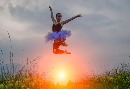 girl jumping light Imagens