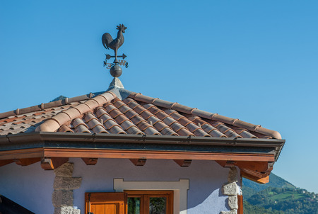 roof with compass e