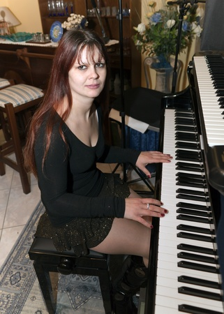 beautiful pianist photo