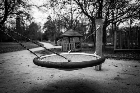 Empty playground attraction Standard-Bild - 91333912