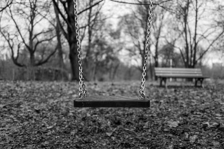 Empty swing on playground Standard-Bild - 91333913