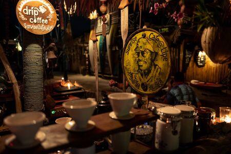 Koh Lipe, Thainald - February 19, 2019: Sunrise cafe at night on Koh Lipe. Редакционное
