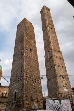 The Garisenda Towers in Bologna Standard-Bild