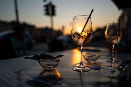 A sunset in a cafe in Pisa Standard-Bild
