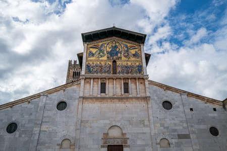 The Basilica San Frediano in Lucca Standard-Bild