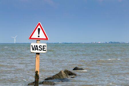flooding: warning signs of flooding mud