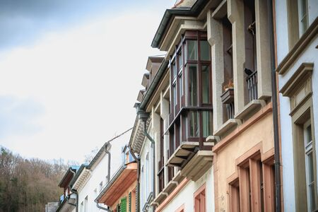 Freiburg im Breisgau, Germany - December 31, 2017: typical house architecture detail in the city center on a winter day Foto de archivo - 128464604