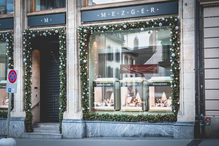 Basel, Switzerland - December 25, 2017: window of a jewellery store in the historic city center on a winter s day Sajtókép