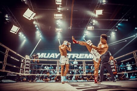 Muay thai fighting in Bangkok in Thailand 免版税图像