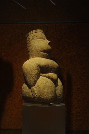 neolithic: statuette of the Neolithic, found in Sardinia. Representative of the culture of the Mother Goddess.
