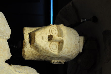 ishtar: Statuette found in Sardinia, representing Ishtar, Astarte or Isis Stock Photo