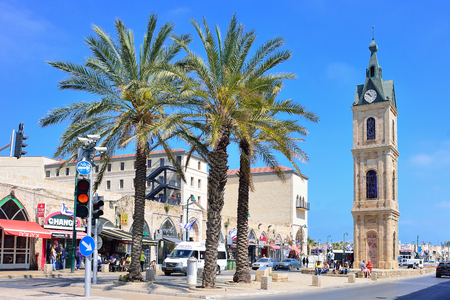 TEL AVIV, ISRAEL - APRIL, 2017: Clock Tower on Yefet street in old Jaffa 新聞圖片