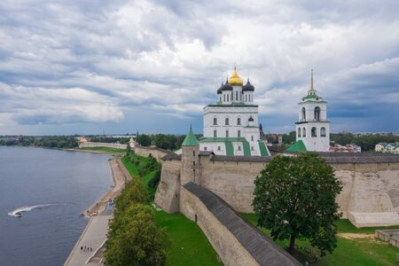 Velikaya River. View of the Pskov Kremlin and Trinity Cathedral 写真素材