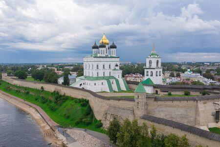 Velikaya River. View of the Pskov Kremlin and Trinity Cathedral Фото со стока