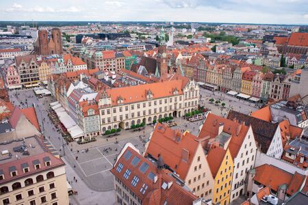 WROCLAW, POLAND - JUNE 17: Panorama of Market Square in Wroclaw, Poland in a summer day Standard-Bild