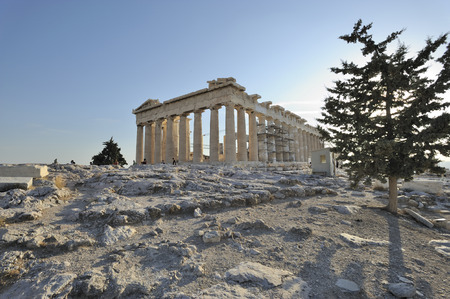 peripteral: The Parthenon on the hill dell