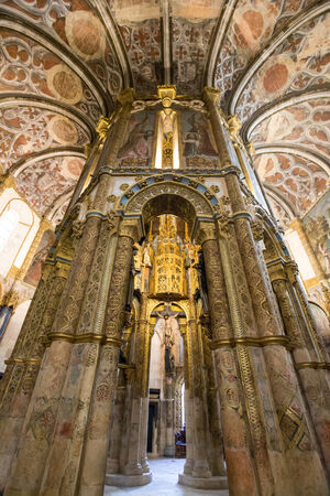 convento: Convento de Cristo -interior of church ,Tomar -Portugal