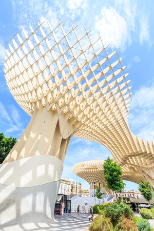 metropol parasol: SEVILLA,SPAIN -JUNE 05 : Metropol Parasol in Plaza de la Encarnacion on June 05, 2014 in Sevilla, Spain. J. Mayer H. architects, it is made from bonded timber with a polyurethane coating.