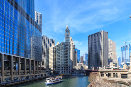 waterways: The Chicago River serves as the main link between the Great Lakes and the Mississippi Valley waterways.