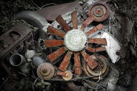 dismantled: Mechanics of a dismantled Engine