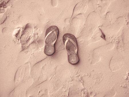 sandalia: Sandalia en la arena - Islas Similan, Tailandia