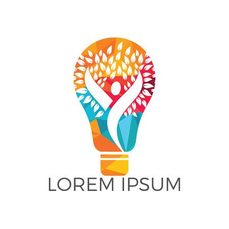 Bulb lamp and people tree logo design. Human health and care logo design. Nature idea innovation symbol. Stock Illustratie