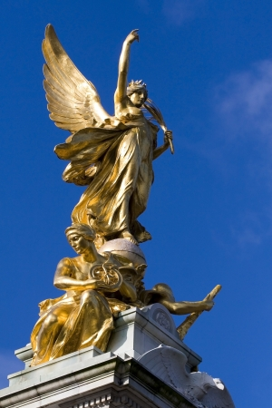 angels fountain: gold monument