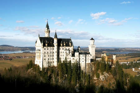 hill of the king: neuschwanstein Editorial